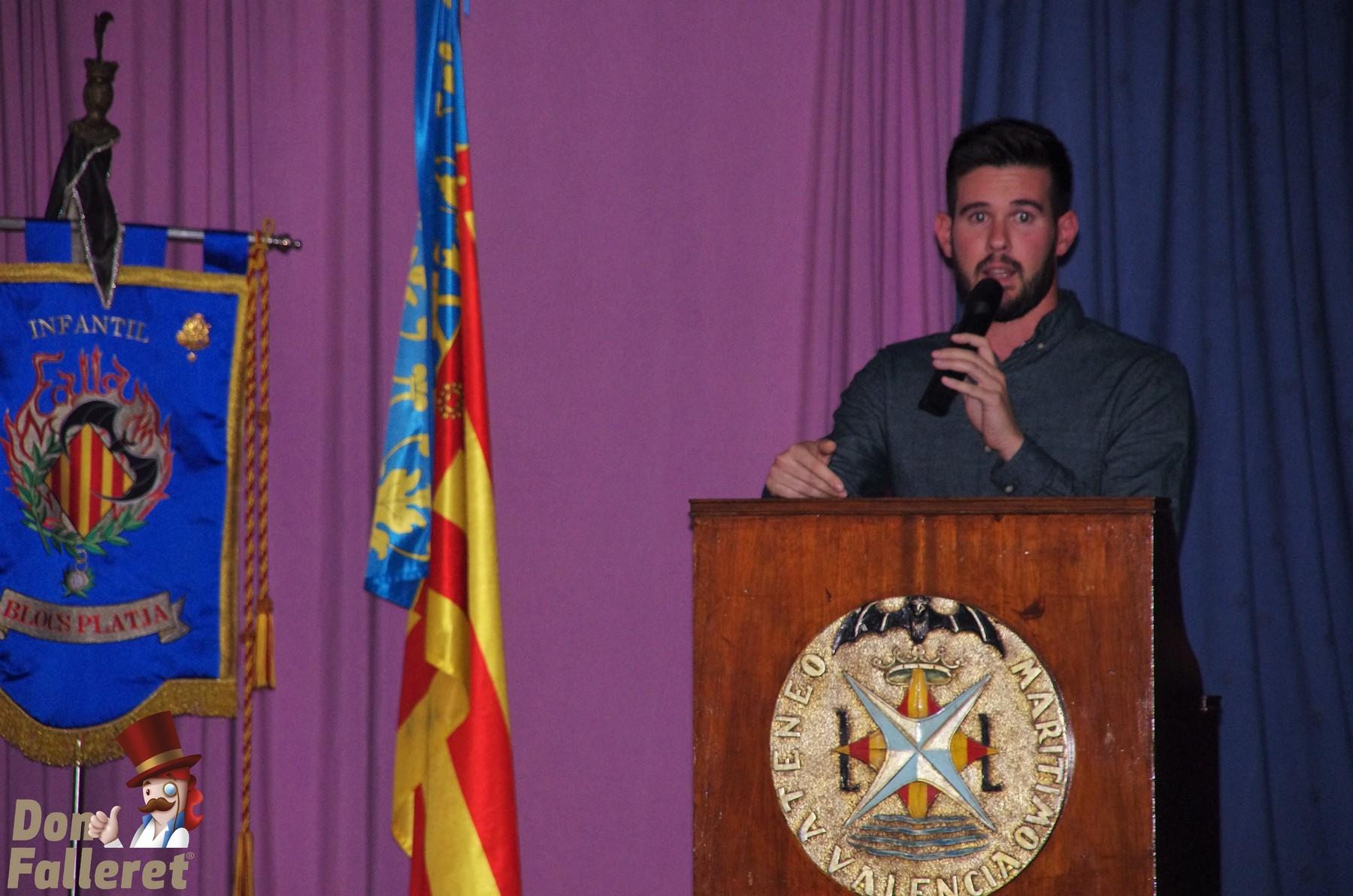 Sergio Espallargas, presidente de la comisión fallera cierra el acto / Don Falleret